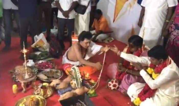 Rajinikanth's Fans Get Married at Petta Show Premiere at Chennai Theatre, See Viral Video
