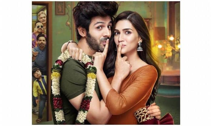 Kriti Sanon-Kartik Aaryan Spotted Promoting Poster Lagwa Do