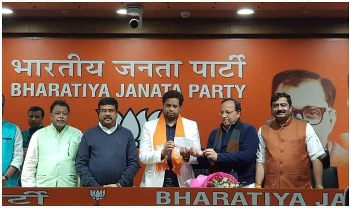 पश्चिम बंगाल: पहले कांग्रेस फिर टीएमसी अब बीजेपी में शामिल हुए सौमित्र खान
