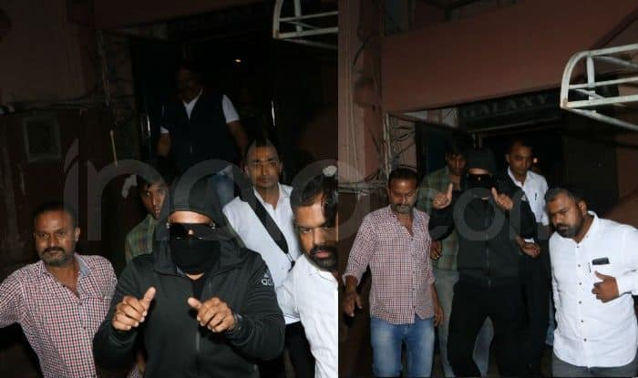 Ranveer Singh Hides His Face With Black Mask Before Visiting Theatre to See Audience Reaction to Simmba