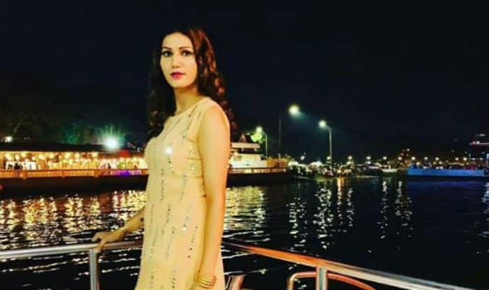 Haryanvi Bombshell Sapna Choudhary Looks Hot as She Poses on a Yacht in Goa For New Year- Watch Video