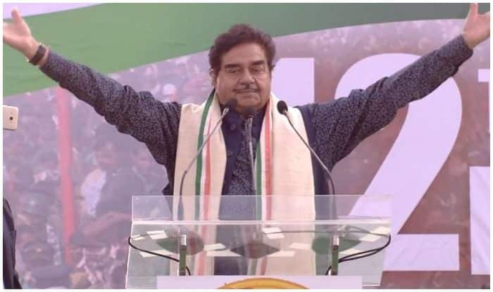 Shatrughan Sinha Makes Major Gaffe After Joining Congress, Calls Shaktisinh Gohil 'BJP's Backbone'