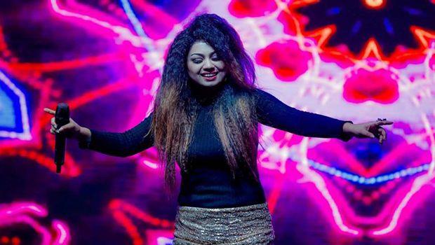 Singer Shivani Bhatia Dies in Car Accident on Yamuna Expressway, Her Husband Survives