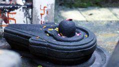Mantra: इस मंत्र के बिना अधूरी मानी जाती है कोई भी पूजा, जानें इसका अर्थ और महत्व