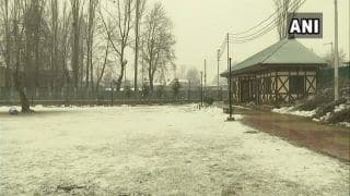 Fresh Snowfall Disrupts Air, Road Movement in Jammu And Kashmir