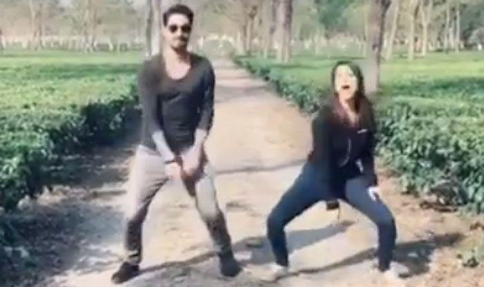 Video: सनी लियोनी-डेनियल वेबर ने किया सिंबा के गाने 'आंख मारे' पर डांस, फिर एक्ट्रेस को उठा ले भागे