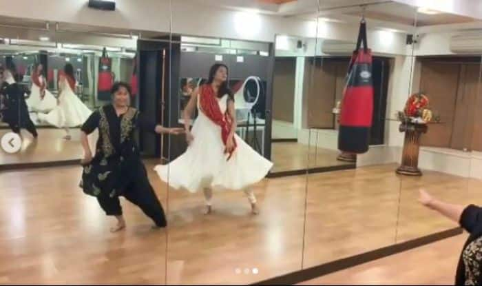 Sushmita Sen Learning Kathak is The Best Thing to See on The Internet Today, Watch Video