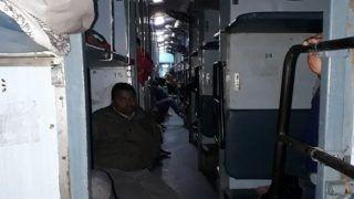 दिल्ली से भागलपुर जा रही ट्रेन में डकैती, लाखों रुपये व मोबाइल फोन-गहने लूटे
