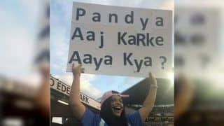 'Pandya Aaj Karke Aaya Kya?' Female Spectator Trolls Hardik Pandya With Banner During India vs New Zealand 2nd T20I | WATCH VIDEO