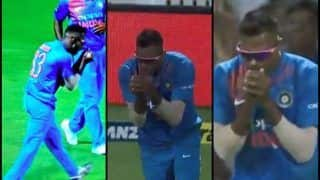 India vs New Zealand 3rd T20I: Hardik Pandya Takes Colin Munro's Catch After Khaleel Ahmed Drops a Sitter at Hamilton | WATCH VIDEO