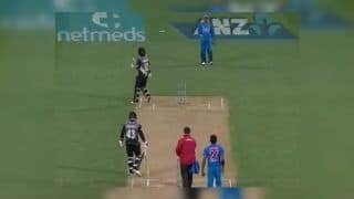 India vs New Zealand 1st T20I: 'Hit-Wicket' by Wind, Colin Munro Starts Walking Towards Pavilion – Watch Video