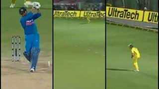 MS Dhoni Fools Cameraman For 'Huge Six' to Play a Normal Dot Ball Off Nathan Coulter-Nile at Vizag During 1st T20I | WATCH VIDEO