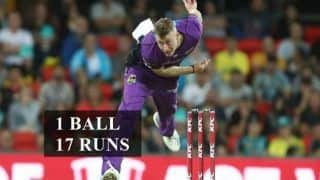 Australian Bowler Riley Meredith Concedes 17 Runs off 1 Ball in Big Bash League 2018-19 Hobart Hurricanes Melbourne Renegades | WATCH VIDEO