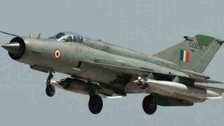 भारत ने पाकिस्तान को चेताया- हमारे पायलट के साथ न हो बदसलूकी, सुरक्षित लौटाएं