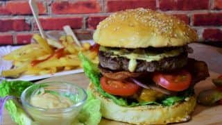 Study Finds Eating Junk Food Can Raise Risk of Bipolar Disorder And Depression