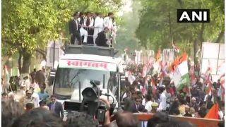 लखनऊ: प्रियंका-राहुल गांधी का रोड शो, कांग्रेस ने दिखाई ताकत, ज्योतिरादित्य समेत कई पार्टी दिग्गज भी मौजूद