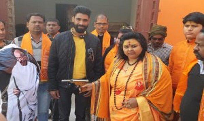 Hindu Mahasabha's Pooja Pandey, Her Husband Arrested For Recreating Mahatma Gandhi's Assassination