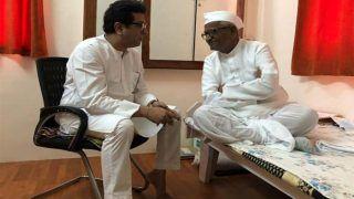 राज ठाकरे ने अनशन पर बैठे अन्ना हजारे से कहा, 'बेकार' सरकार के लिए जीवन का बलिदान नहीं दें