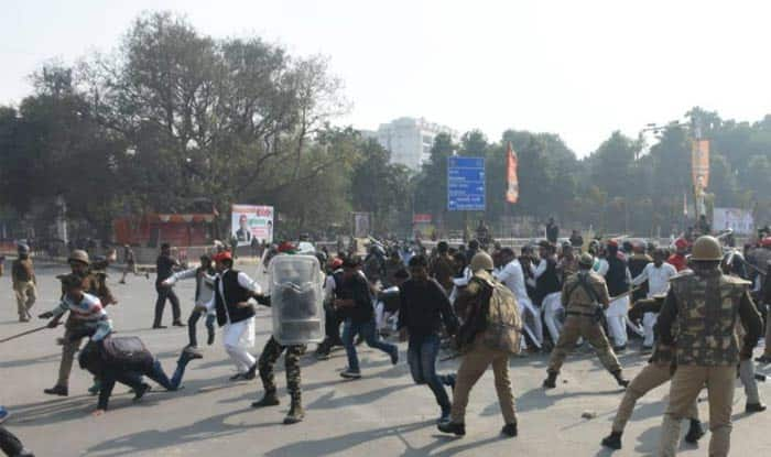 Protest Against Akhilesh Yadav's Detention: Police Register Case Against 296 Samajwadi Party Workers