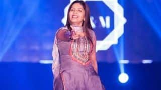 Haryanvi Hottie Sapna Choudhary Flaunts Her Sexy Thumkas on Her New Song 'Taliban' During Stage Show in Bhopal - Watch