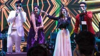 Haryanvi Hot Dancer Sapna Choudhary Flaunts Her Sexy Thumkas Along With Meet Bros During Her Stage Show in Delhi