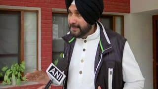Pulwama Attack: Navjot Singh Sidhu Yet Again Backs Pakistan, Says Entire Nation Can't be Blamed For Actions of Handful People
