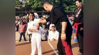 Akshay Kumar, Aditya Thackeray Teach Self Defence to 2000 Girls at Training Camp in Thane, Video Goes Viral
