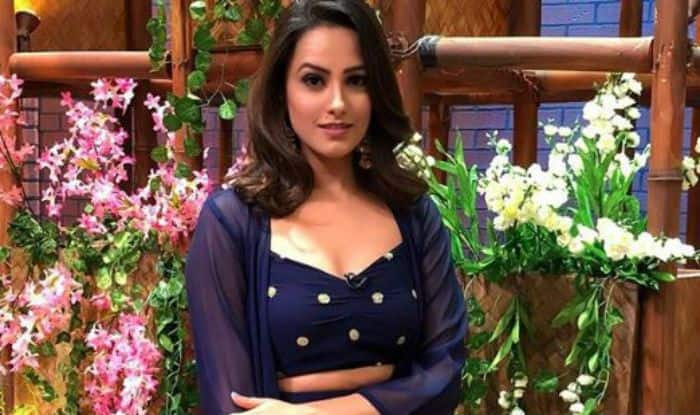 Naagin 3 Actress Anita Hassanandani Looks Sizzling Hot as She Wears a Sexy Blue Dress, See Pics