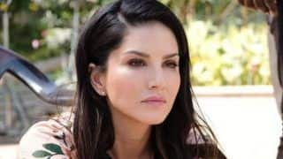 Sunny Leone Looks Hot AF in This Candid Picture, Have a Look