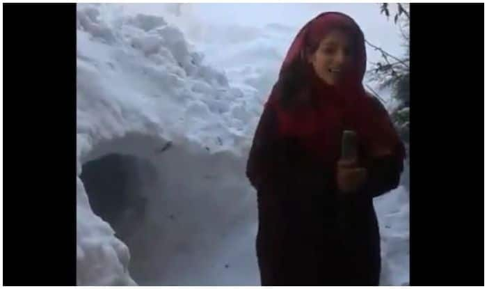 Kashmiri Girl 'Reporting' About Snowfall Becomes Overnight Sensation, Twitterati React to 'Aspiring Journalist's Report'