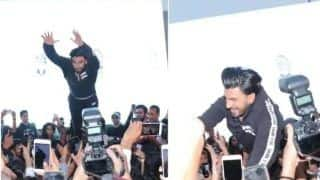 Ranveer Singh Injures Fans After Impromptu Stage Jump at Lakme Fashion Week, Netizens Slam Actor For 'Childish And Foolish Act'