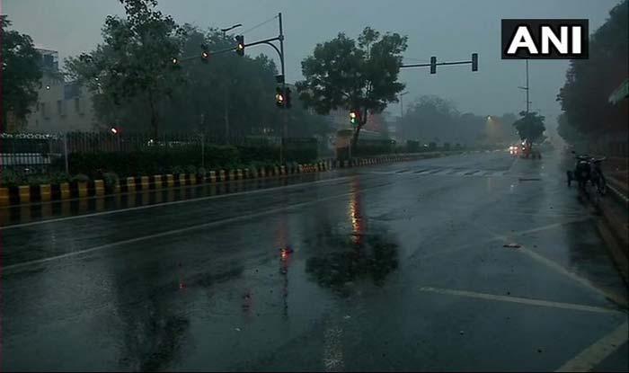Thunderstorm, Rain Likely to Hit Uttar Pradesh, Himachal; Temperatures to Dip
