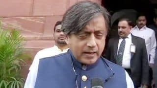 Union Budget 2019: Congress MP Shashi Tharoor Calls it a Damp Squib, Says Rs 500 Per Month Not Enough For Farmers