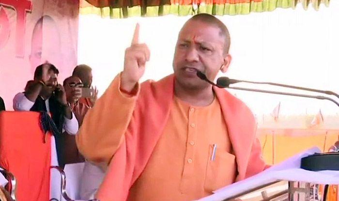 Kolkata Crisis: Yogi Adityanath Slams Mamata Banerjee For Defending Top Cop Named in Saradha Chit Fund Scam, Calls it Shameful