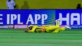 Ravindra Jadeja Takes a Brilliant Catch to Send AB de Villiers Packing Off Harbhajan Singh Bowling at Chepauk | WATCH VIDEO