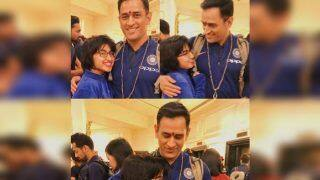 MS Dhoni Gesture Towards Girl Fan at Hyderabad Airport Ahead of 1st ODI Against Australia Will Blow Your Mind | PICS