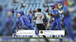 Aakash Chopra Gets TROLLED as he Blames Security For Lapse After MS Dhoni Dodges Fan During 2nd ODI at Nagpur Against Australia | SEE POST