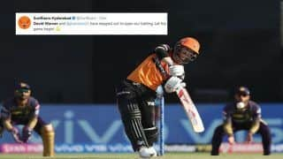David Warner Makes Spectacular Comeback For Hyderabad With 50 Against Kolkata at Eden Gardens, Sets Twitter on Fire | SEE POSTS