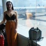 Twitterati Divided Over Woman Wearing Crop Top Being Asked to Deplane For Showing Too Much Skin