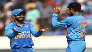 Virat Kohli Heaps Praise on Bowlers For Win in 1st ODI Versus Australia, Says MS Dhoni, Kedar Jadhav Also Played With Responsibility