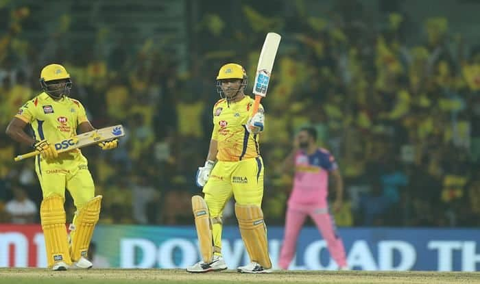 IPL 2019: MS Dhoni's Smashes 3 Consecutive Sixes of Jaydev Unadkat to Propel CSK to Competitive 175/5 vs Rajasthan at Chepauk, Twitter Lauds Thala's Effort | WATCH