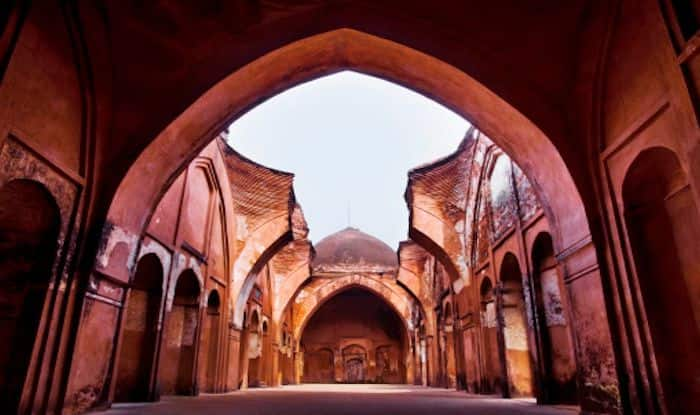 Murshidabad Takes You Back to The Regal Mughal Era With Its Architecture
