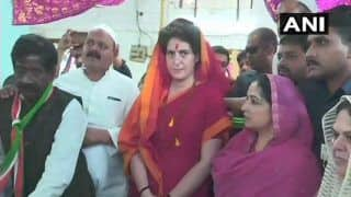 LS Polls 2019: Priyanka Gandhi Left Red-Faced as BJP Supporters Raise Pro-Modi Slogans in UP