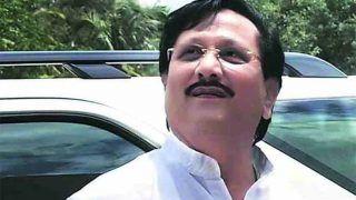 शरद पवार को झटका?... करीबी नेता बेटे समेत शामिल हो सकते हैं बीजेपी में