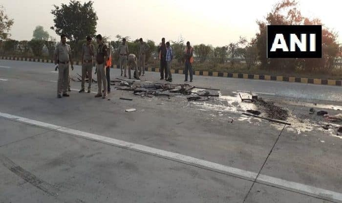 Greater Noida: 8 Dead, 30 Injured After Tourist Bus Rams Truck on Yamuna Expressway