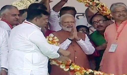 PM Narendra Modi at Meerut Rally Likens SP-RLD-BSP Alliance to Liquor, Says This Sharab Will Ruin You | Top Highlights
