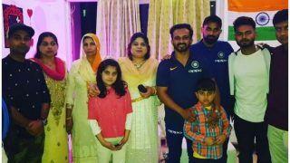 दिल्ली वनडे से पहले तेज गेंदबाज मोहम्मद शमी के घर पहुंचे टीम इंडिया के सितारे, देखें PHOTO