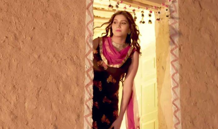 Haryanvi Hottie Sapna Choudhary's Viral Thumka Dance in 'Ghunghat' Crosses Over 10 Million Views on YouTube – Watch