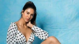 Punjabi Actress Sonam Bajwa Looks Hot in Retro Style, Wears Polka-Dot Crop Top With Shorts