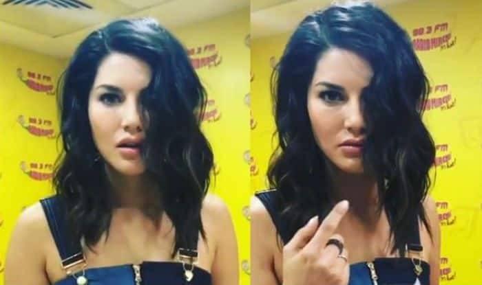 Sunny Leone Steals Banana Cake Proves How Big Foodie She is, Watch Hilarious Video